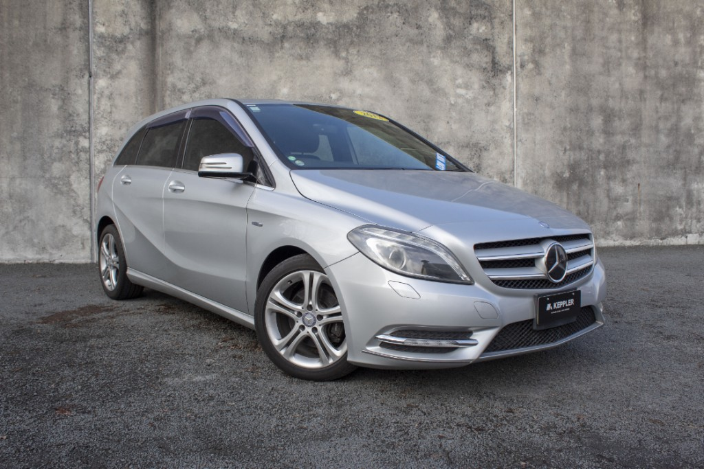 2012 Mercedes-Benz B180 SUPER LOW KM'S