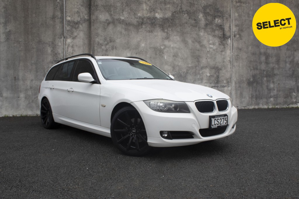 2009 BMW 320I LOW KM'S