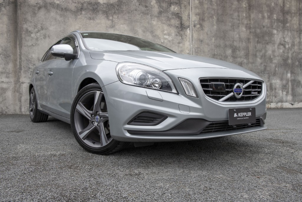2013 Volvo V60 T4 R-Design LOW KM'S