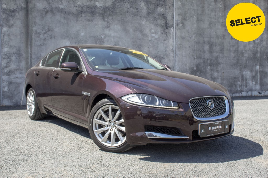 2013 Jaguar XF LOW KM's