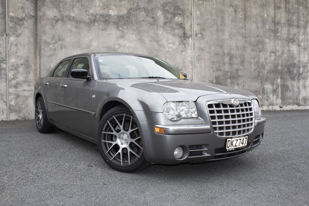 2006 Chrysler 300C 5.7L V8 1 Owner NZ New