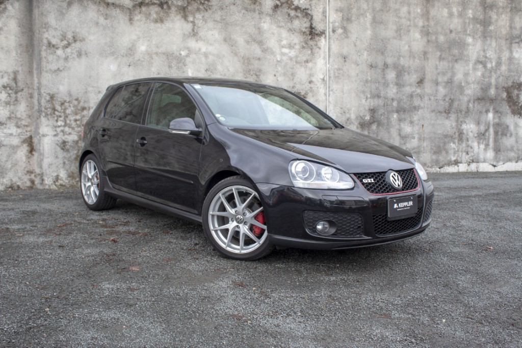 2009 Volkswagen Golf GTI LOW KM'S