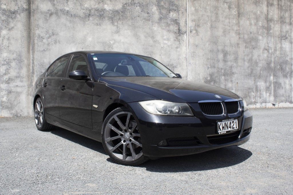 2009 BMW 320i LOW KM's 2.0L