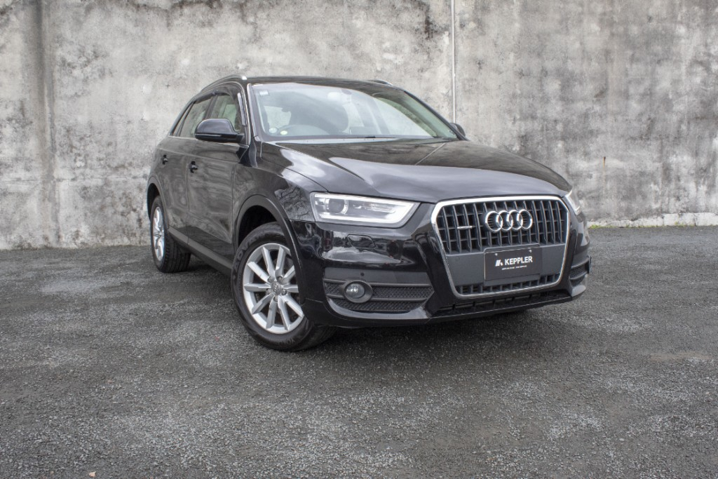 2012 Audi Q3 2.0L Turbo Low KM's